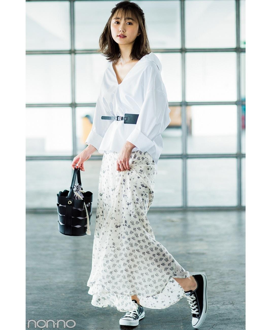 【夏のシャツコーデ】鈴木友菜は、トレンドのスカートカジュアルをトライ