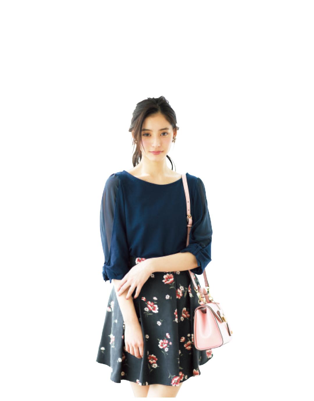 濃い色花柄スカートで、大人っぽくスタイルUPしたいときのポイントは?_1_1-1