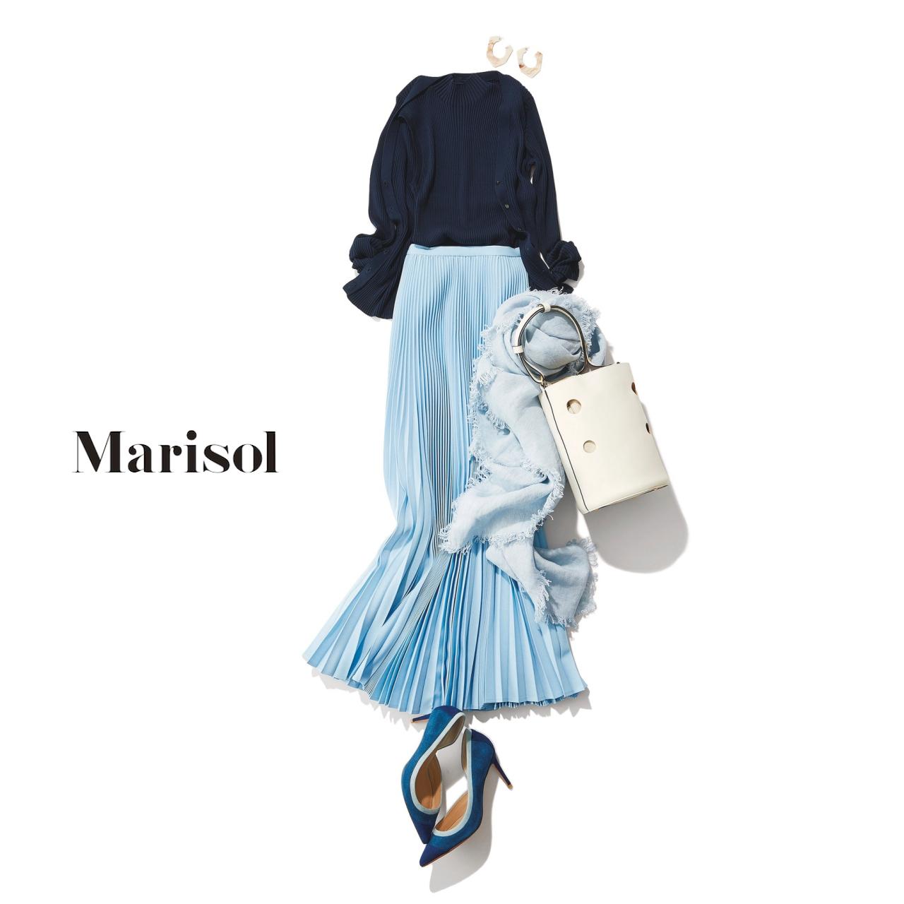 40代ファッション ネイビーツインニット×サックスブループリーツスカートコーデ