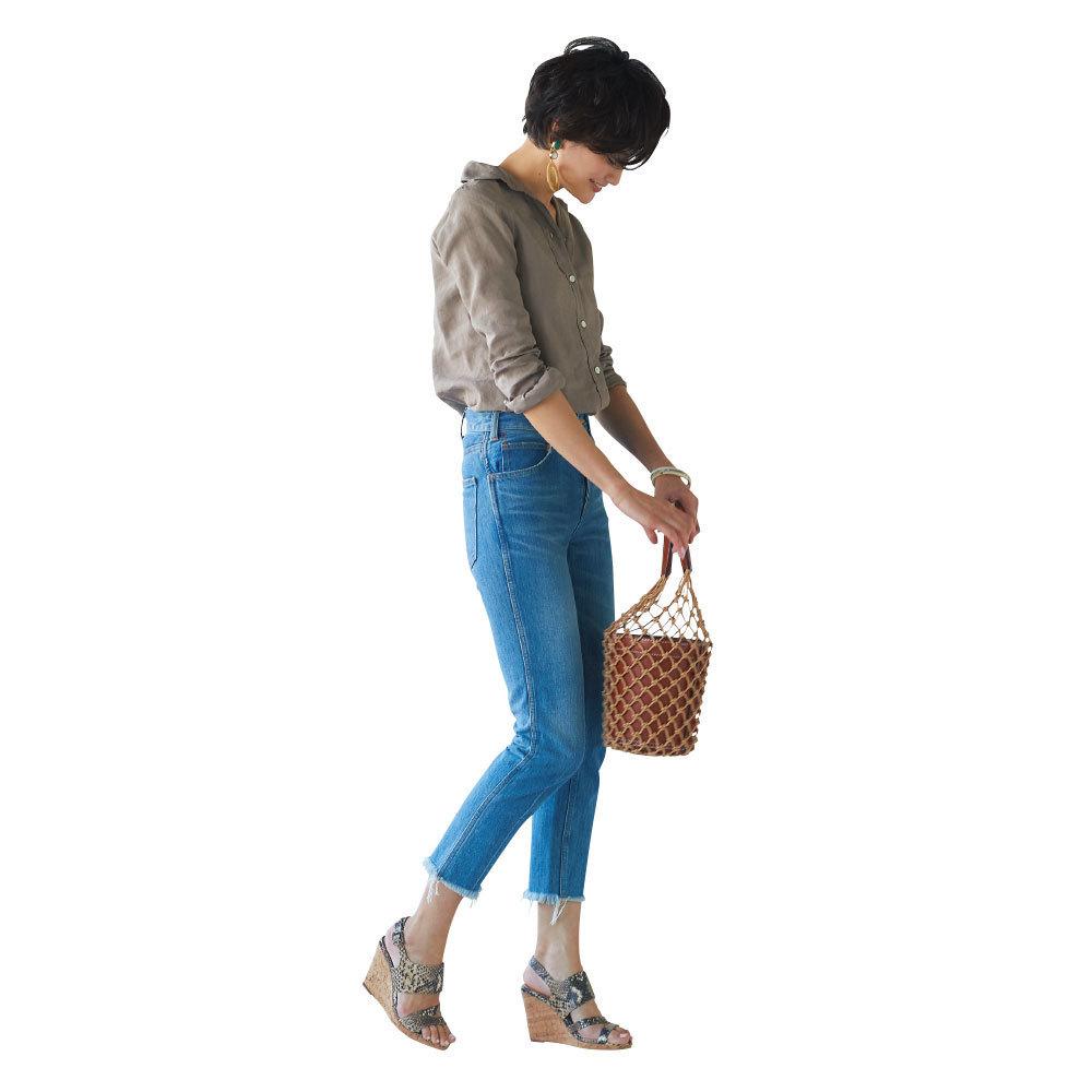 リネンシャツ+デニムスタイルをエスニック素材でアップデート