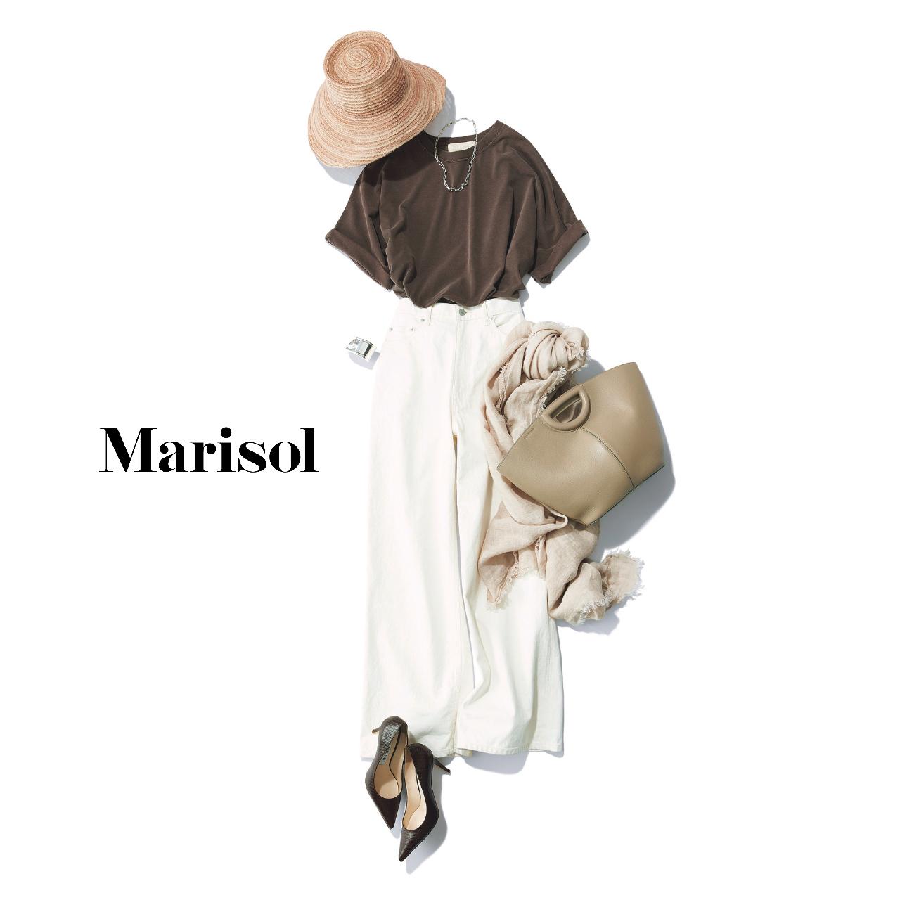40代ファッション  ブラウンTシャツ×白パンツコーデ
