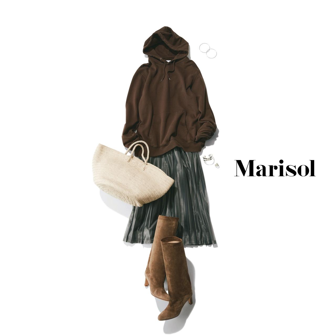 40代ファッション ブラウンパーカ×スカート×ブーツコーデ