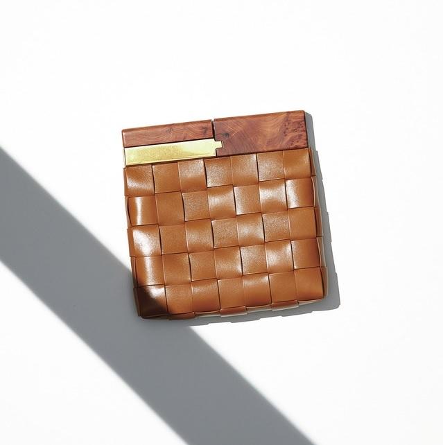ファッション ボッテガ・ヴェネタのクラッチバッグ