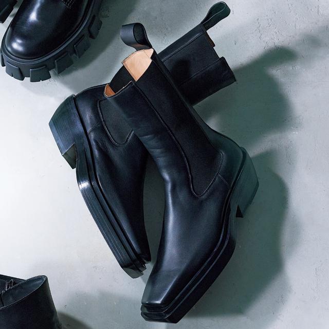 BOTTEGA VENETA《ボッテガ・ヴェネタ》黒ショートブーツ
