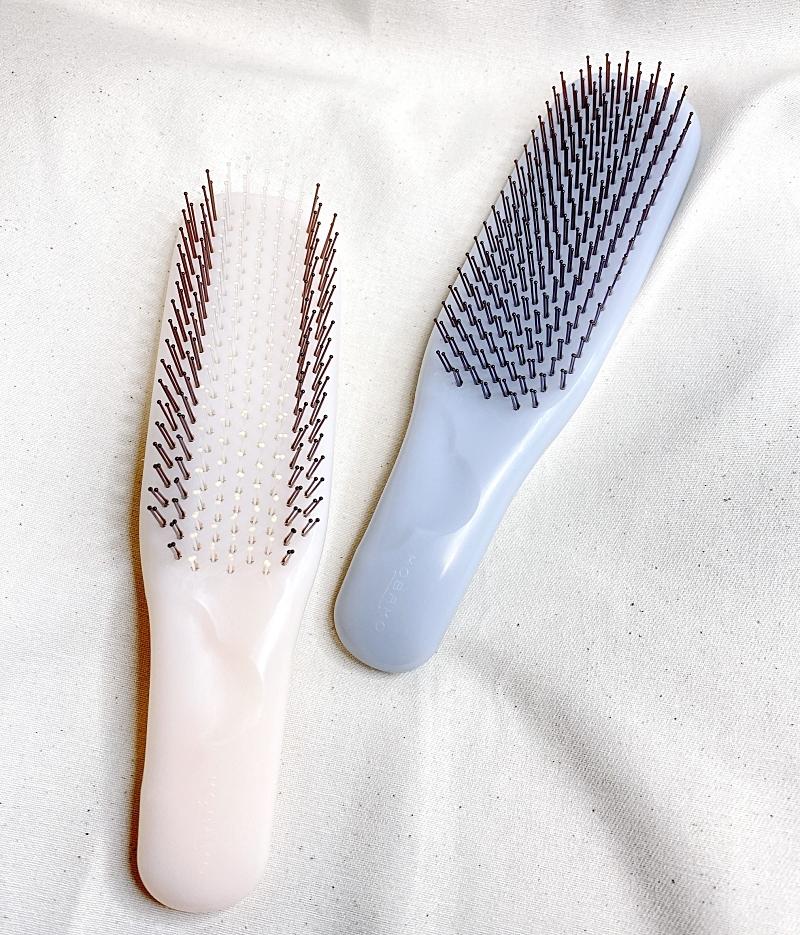 KOBAKOの新作のヘアケアシリーズのヘアスムースブラシはソフトタイプとハードタイプの2種類