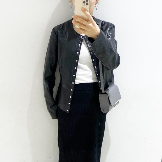 ZARAのレザージャケット×タイトスカートコーデ