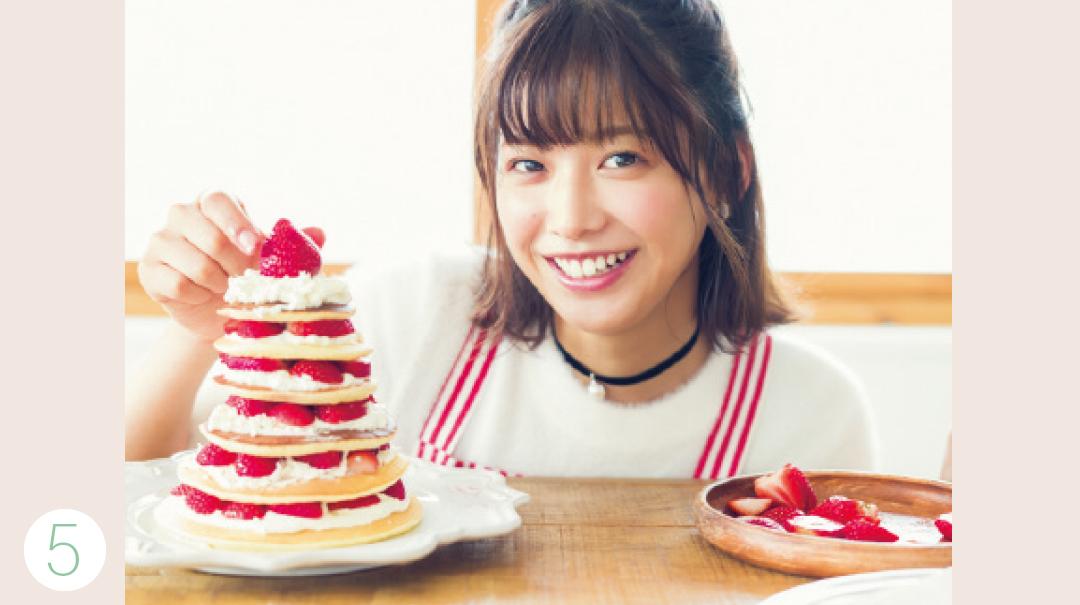 渡邉理佐がトライ! 簡単♡ Xmasのパンケーキツリーレシピ_1_3-5