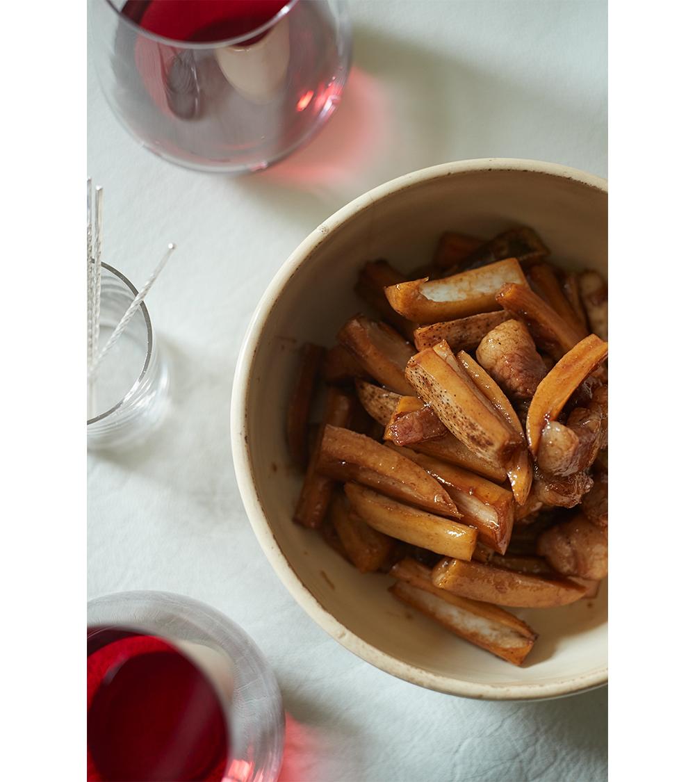 【日本の赤ワインに合うおつまみレシピ 2】れんこんと豚肉のバルサミコ酢炒め1