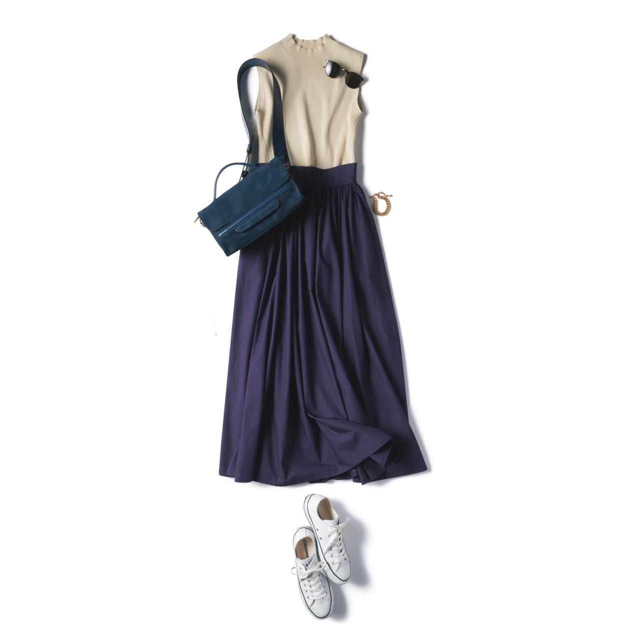 白コンバースのローカットスニーカー×パープルスカートのファッションコーデ