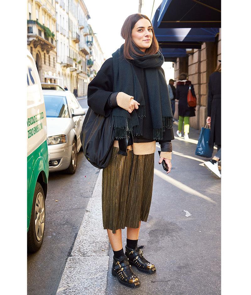 「女っぷりスカート」は辛口仕上げが正解【ファッションSNAP ミラノ・パリ編】_1_1-4