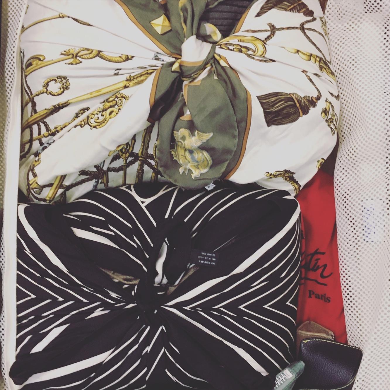 風呂敷からドレスアップまで。 旅で欠かせないスカーフ使いとは【エディター坪田あさみのおしゃれと暮らしと時々名品 #01】_1_3