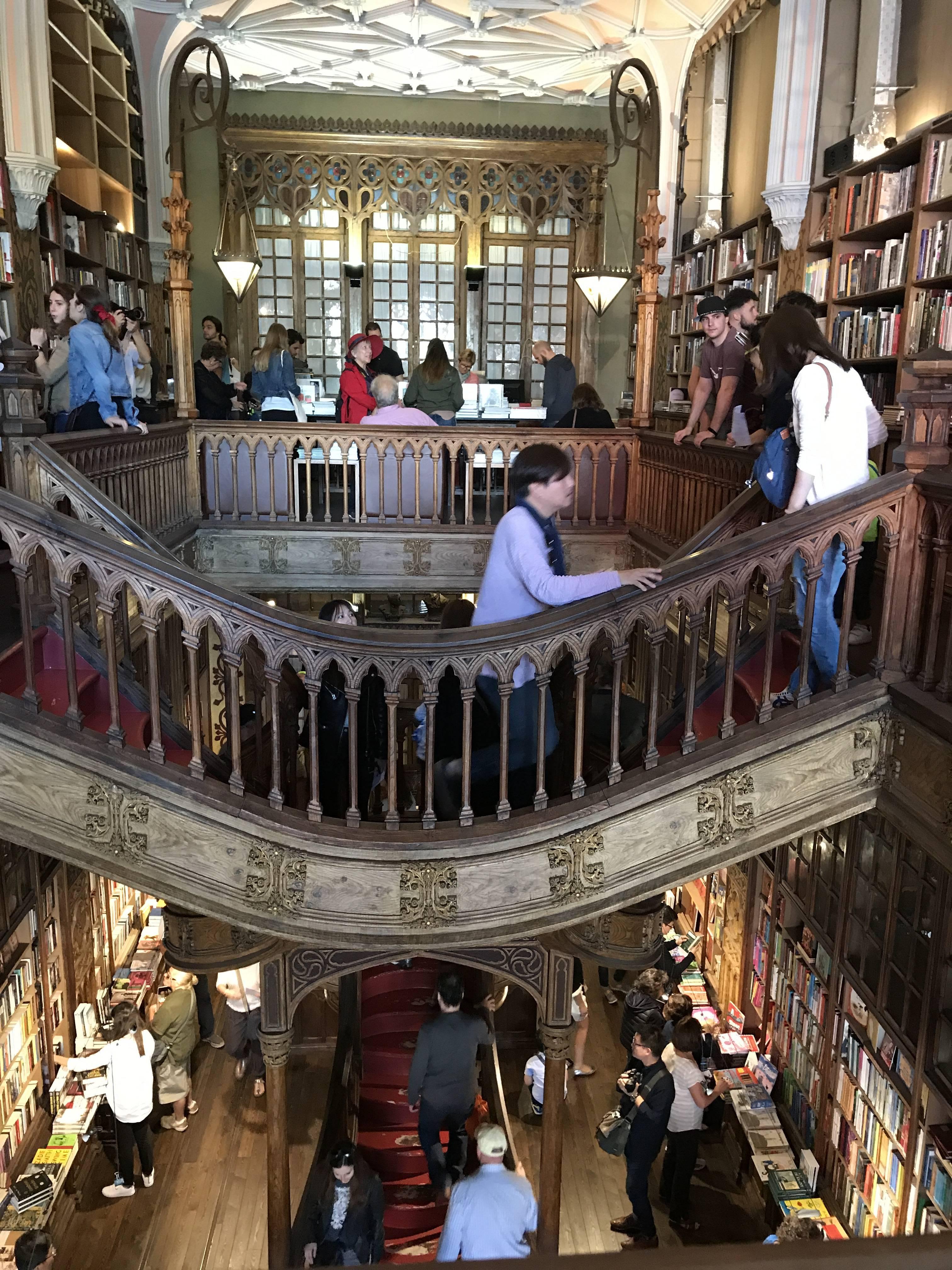 ポルトガルへ行って来ました〜世界一美しい書店編〜_1_1-2