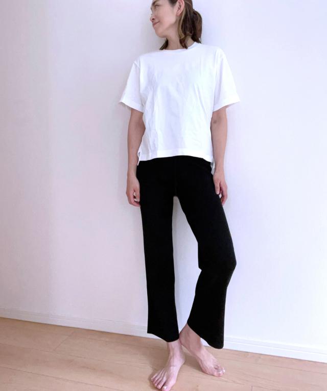 定番の黒パンツを極める!今っぽく、おしゃれで、美脚見えする黒パンツコーデまとめ|40代ファッション_1_32