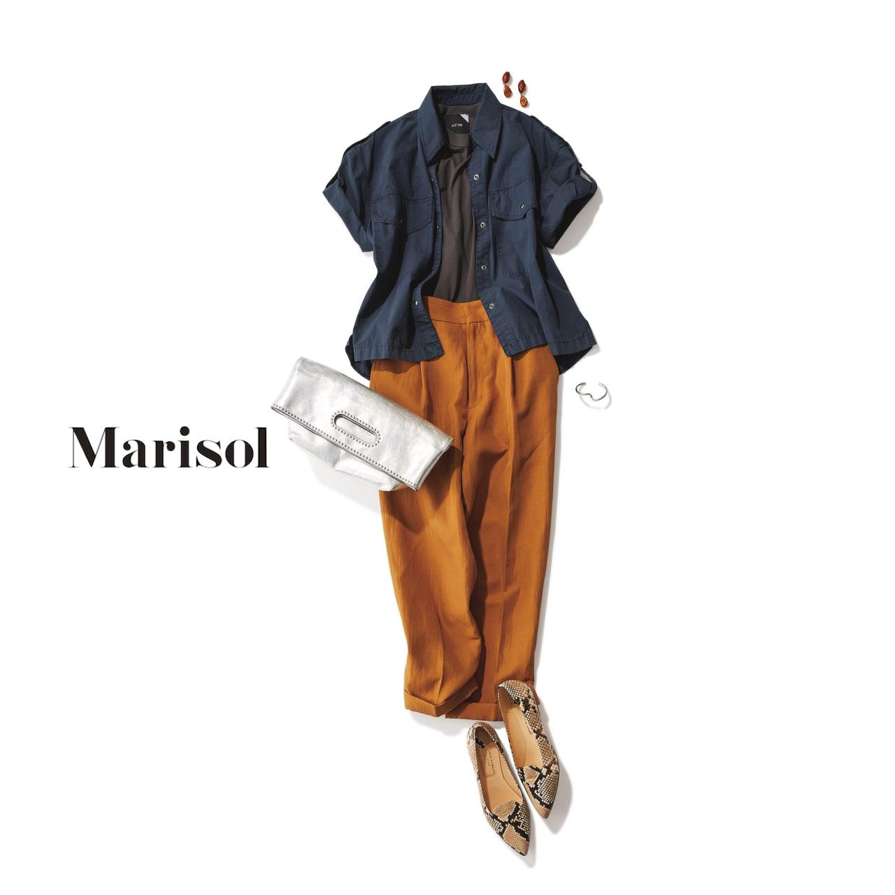 ファッション ネイビーシャツ×キャメルブラウンパンツコーデ