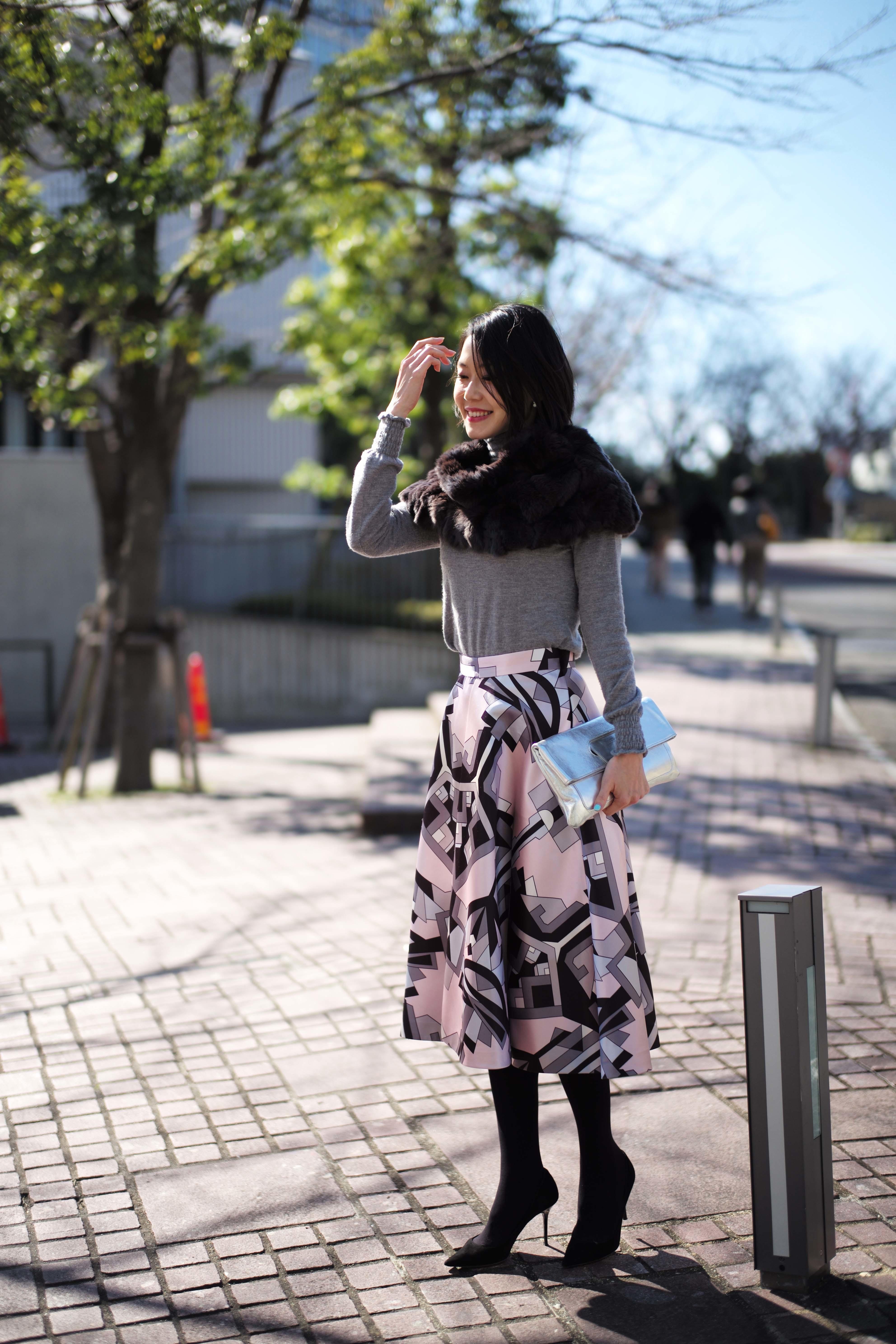 春を先取りしたいから、コーデの主役はきれい色スカート_1_1