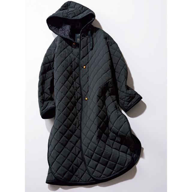 立体感あるフードが新鮮なキルティングコート