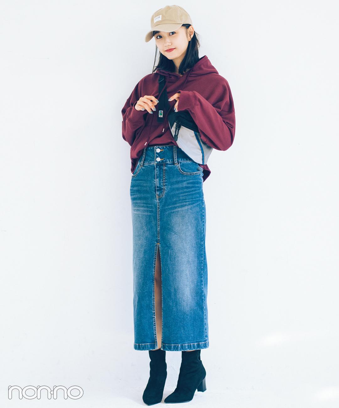 【デニムスカートコーデ2】スリット入りマキシ×黒ストレッチショートブーツ