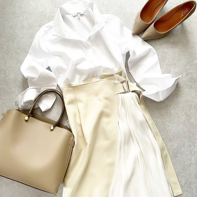 白シャツ×異素材mixスカートできれいめスタイル【tomomiyuコーデ】_1_1