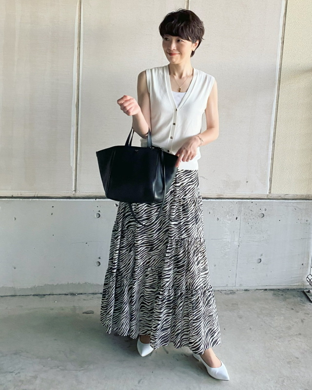 ゼブラ柄のマキシスカート