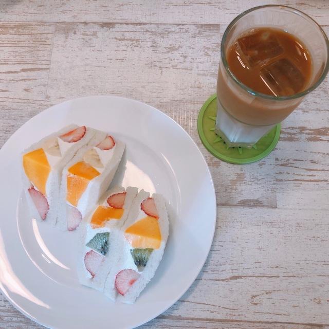 可愛いホットケーキとフルーツのお店_1_2-1