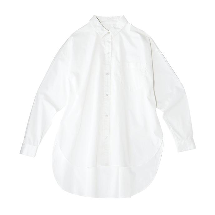大きめ白シャツ
