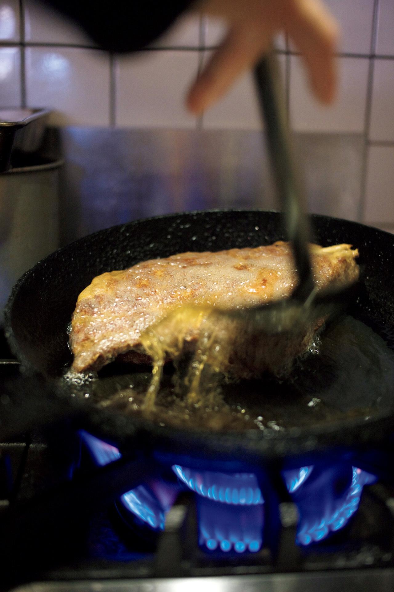 パリの名店の仕事を受け継ぐ 肉職人のステーキ ル・キャトーズィエム_1_3-2