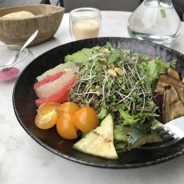 野菜不足を感じたら!表参道「ELLE café」のクレンズサラダがおすすめ♡_1_1-2