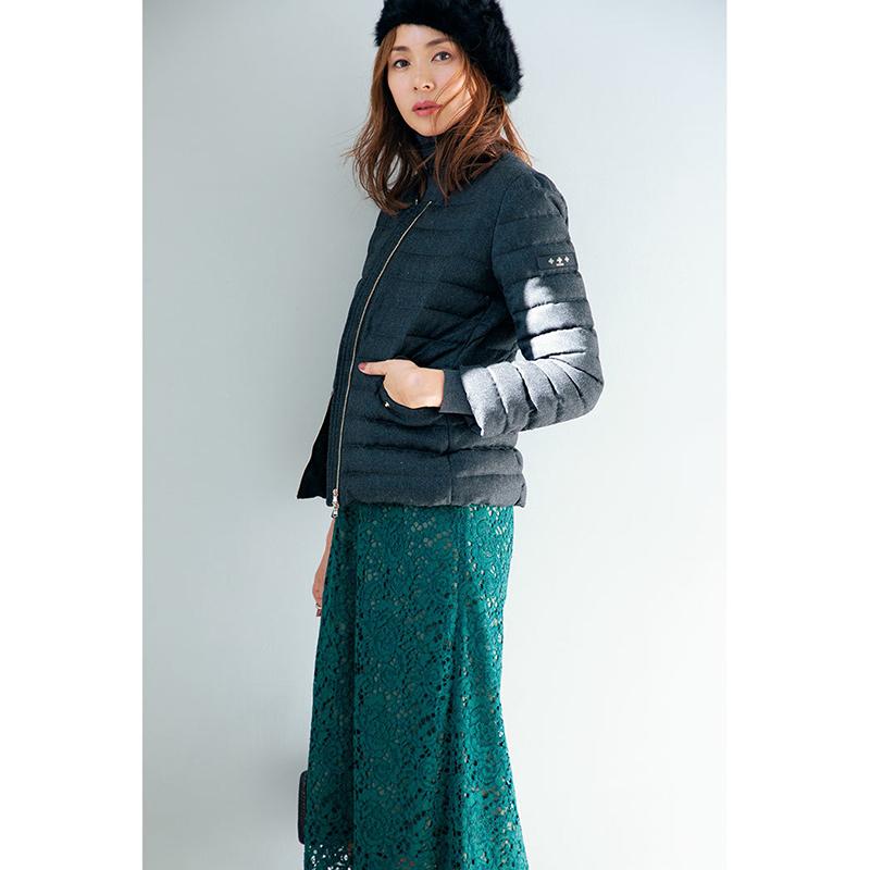 ファッション ダウンコート×レーススカートコーデ