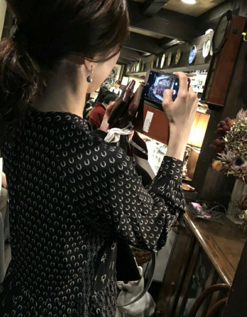 プリント柄ワンピースで、渋谷純喫茶☕_1_6-5