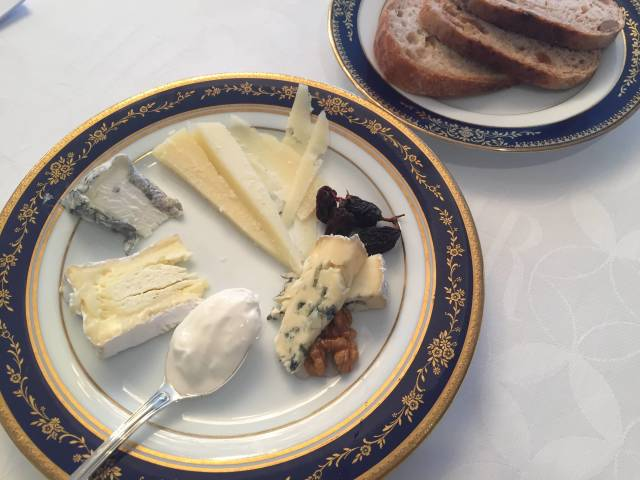 11月11日はチーズの日!チーズは太るは間違いです!!_1_1