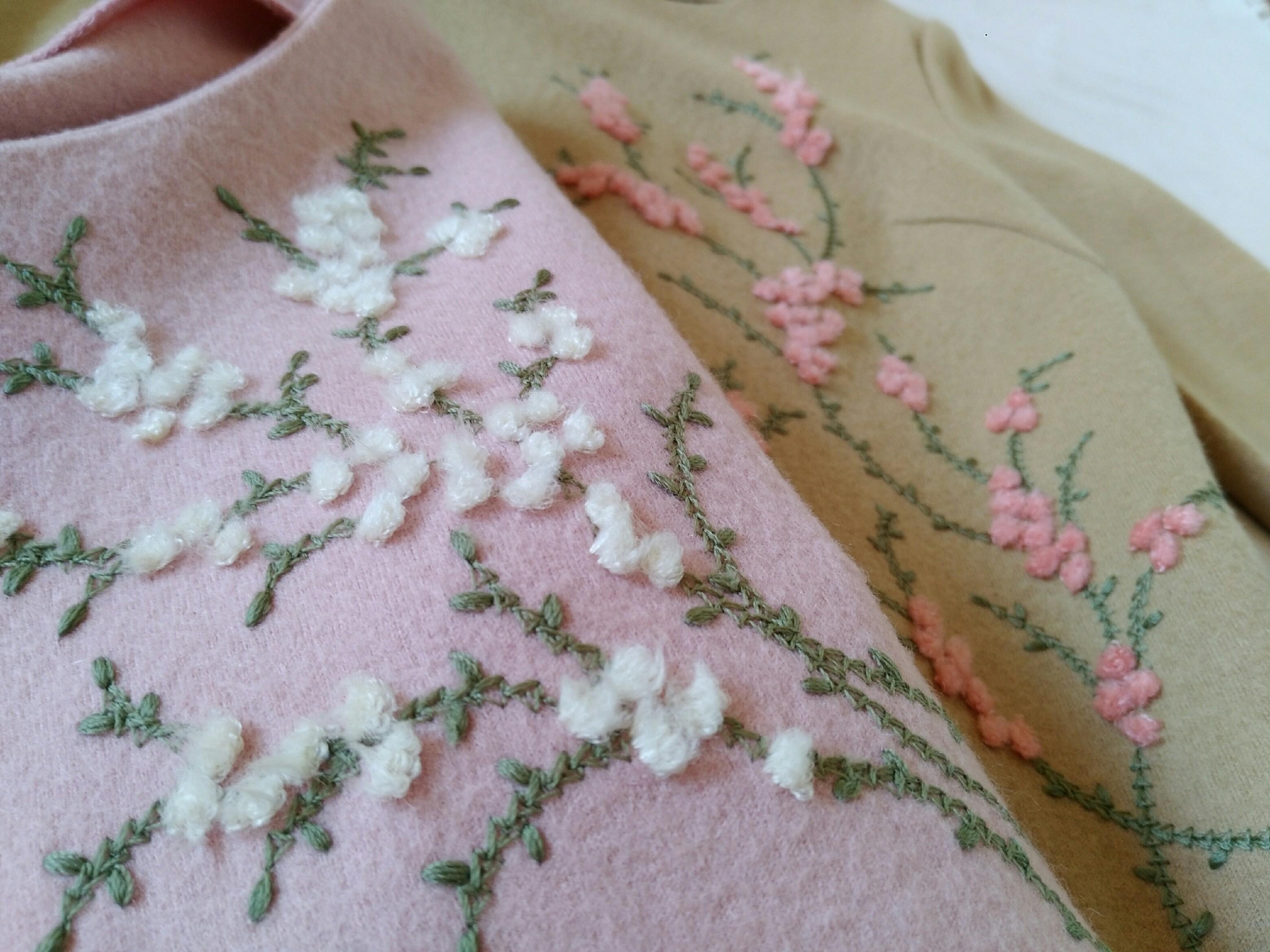 20年捨てられない春色の刺繍ニット_1_4