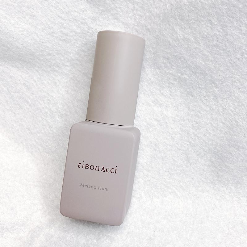 そしてこちらがフィボナッチのスターアイテムとも言うべき美容液。その名もMelano Hunt(メラノハント)は、独自成分・メラノキラーを高配合した全顔用のデイリー美容液。