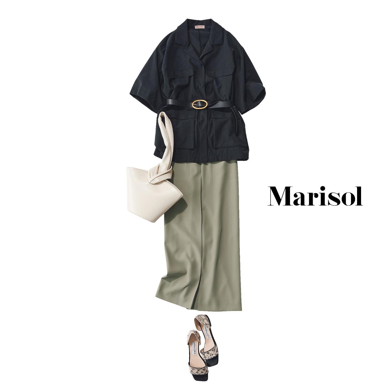 40代ファッション   黒シャツ×タックスカート×サンダルコーデ