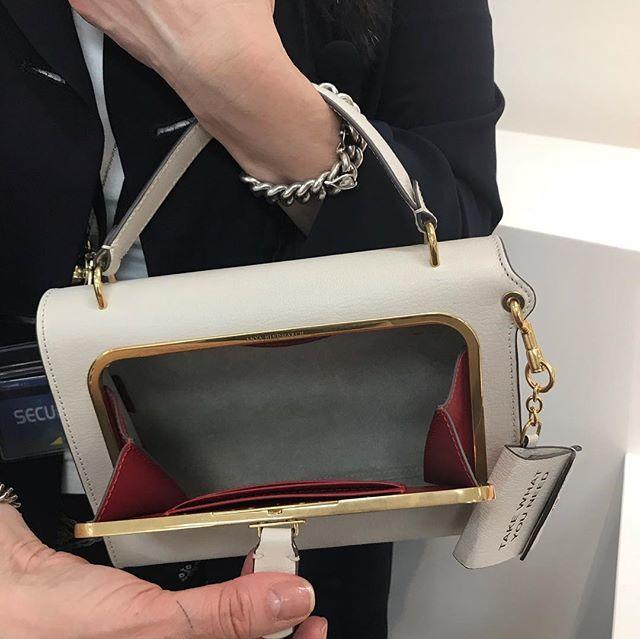 アニヤ・ハインドマーチの新しいバッグ!_1_2