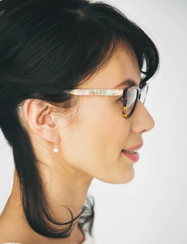 「肌映りがよく見えるメガネが欲しいんです」【運命のメガネの探し方②】_1_4-2