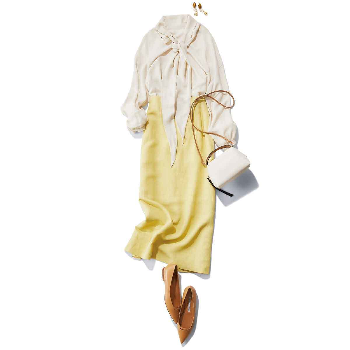 ■シルクのボウタイブラウス×イエローのタイトスカートコーデ