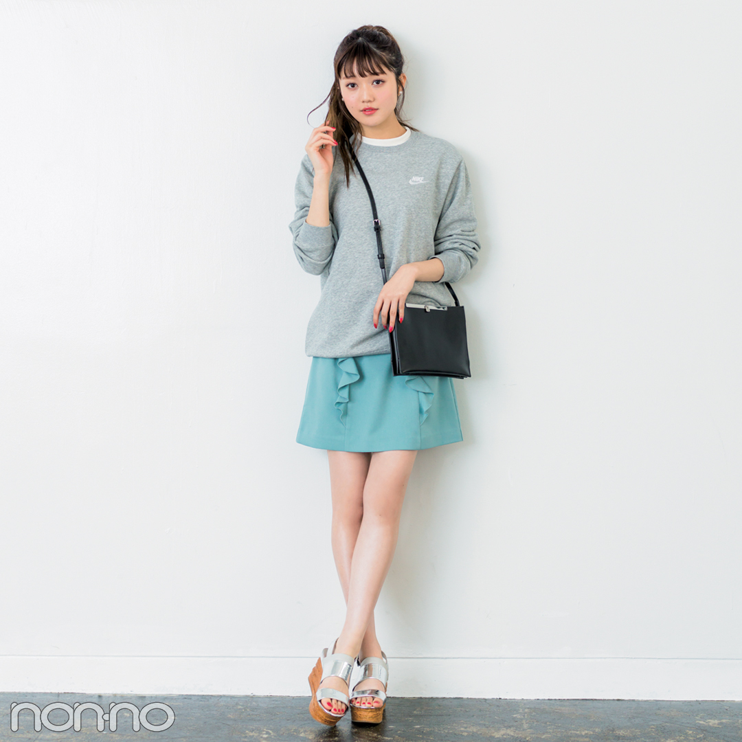 きれいめミニ丈の台形スカート、脚がキレイに見えるコーデはコレ!_1_2-5