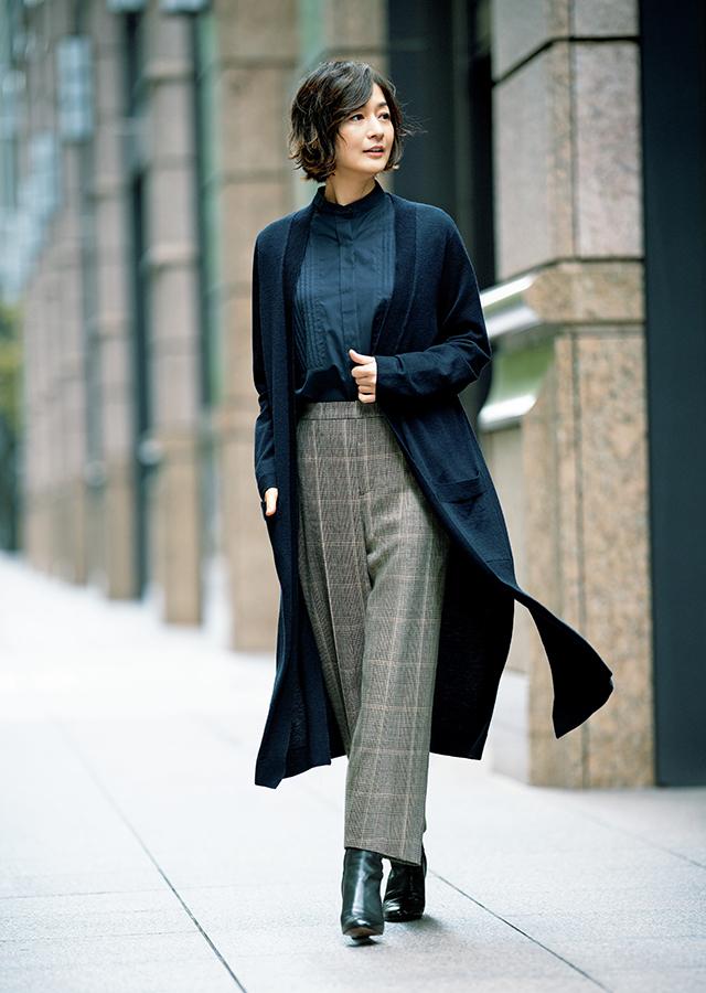 グレンチェックのパンツはクロップド丈で軽快に着るのがおすすめ