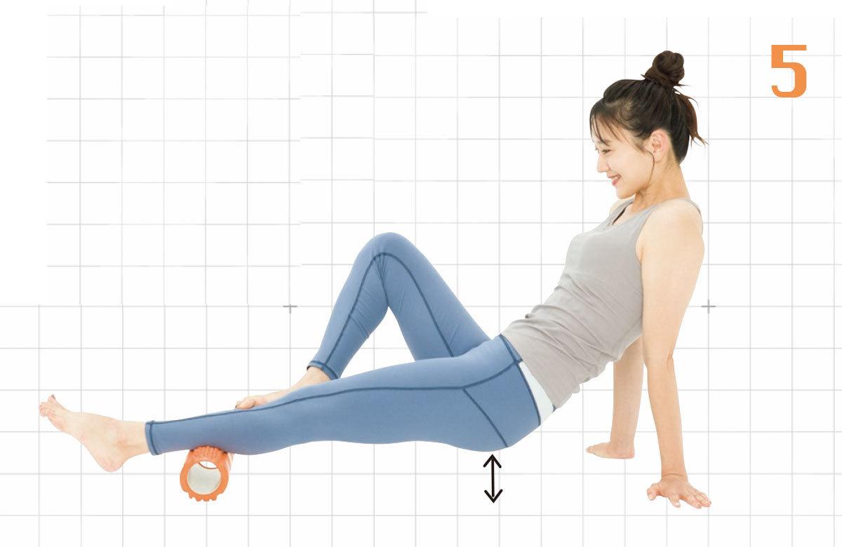 5.さらに余裕があれば両手で体を支え体を浮かせ、4の動きをしても◎。右足も同様の動きを。