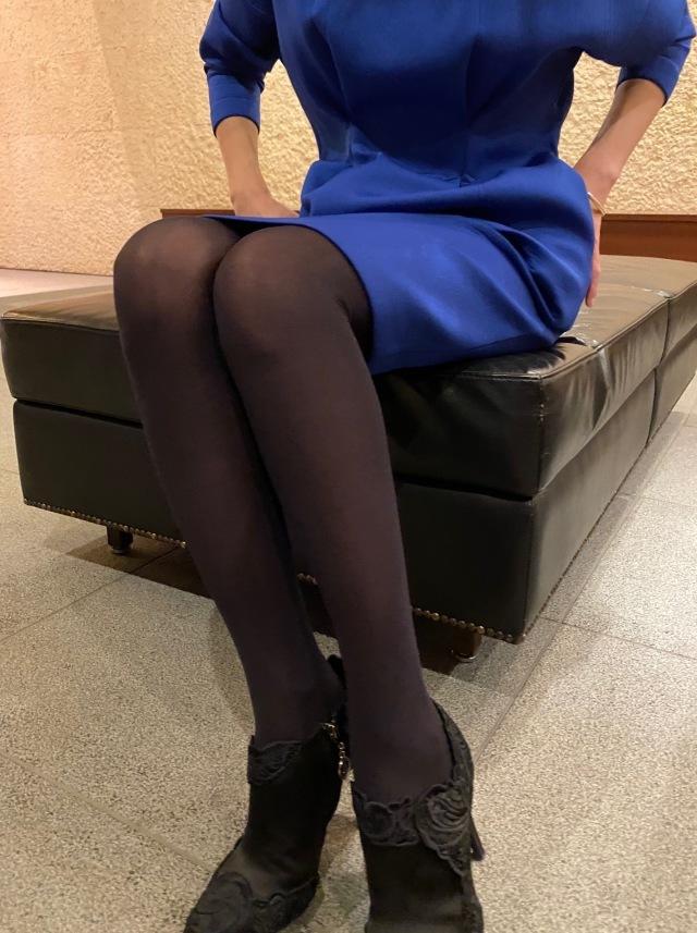 11月号付録「ニュアンスブラック美脚タイツ」コーデ実例!美女組の着こなしまとめ_1_2