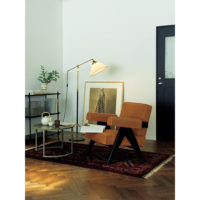 上質な椅子と照明さえあれば 時間を忘れて読書に没頭できる