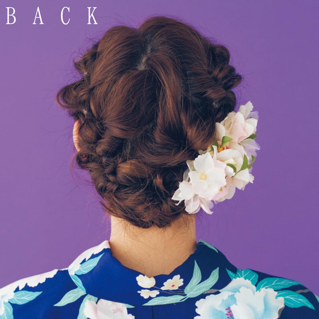 ゆかたの髪型・ミディアムはくるりんぱ&お花小物で華やかに【ゆかたの着付けと髪型】_1_3-2