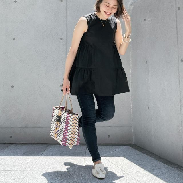 【真夏こそ映える黒コーデ】重たく見えず、シックに決まるアラフォーの黒コーデまとめ|40代ファッション_1_27