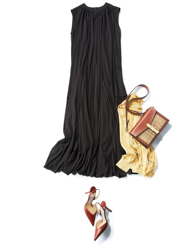 チュールのような薄い素材で襟ぐりからたっぷりとったギャザーが上半身の体型悩みもカバーしてくれるワンピース。