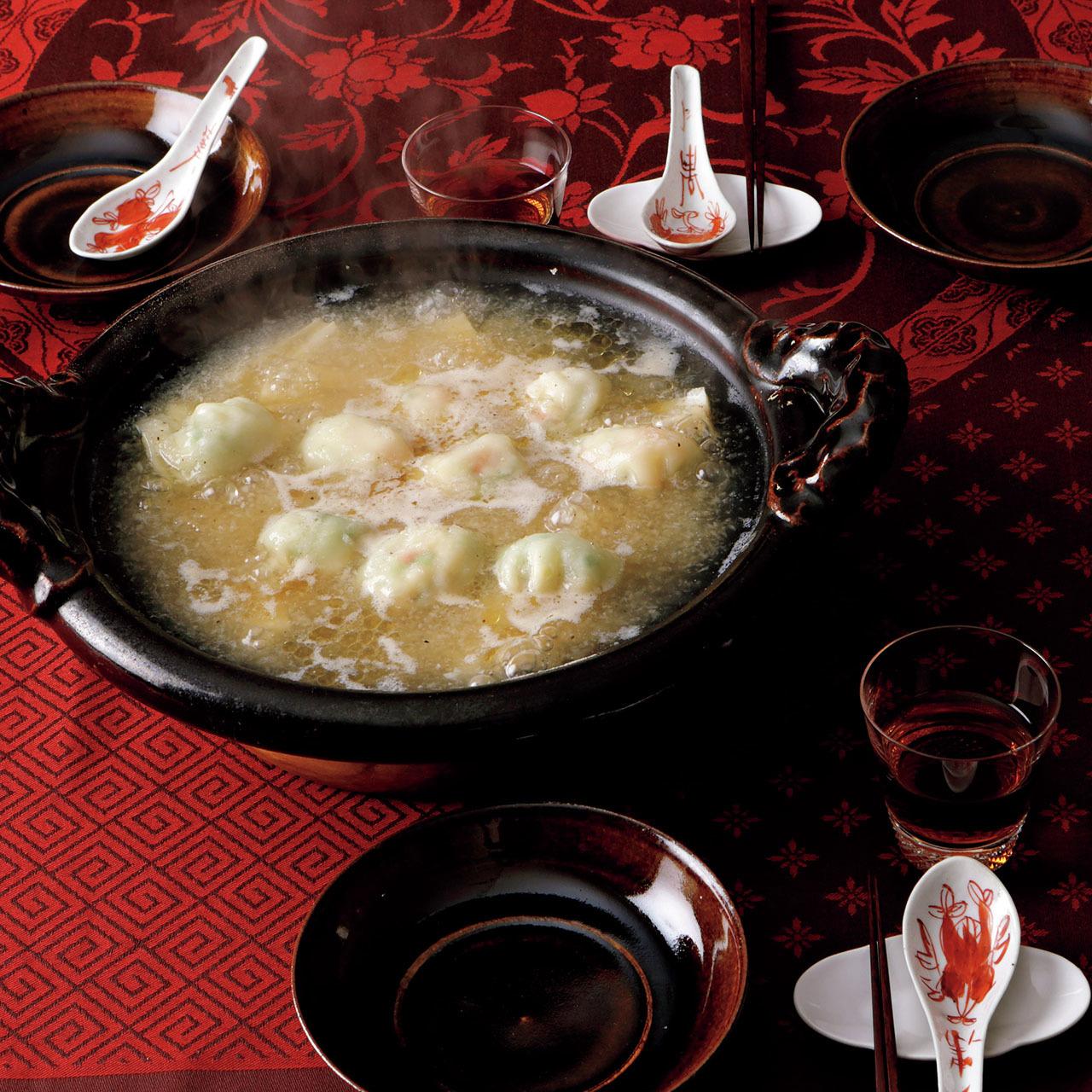 2〜3品の素材で作るシンプル鍋! 料理家ウー・ウェンさんの究極レシピ 五選_1_1-3