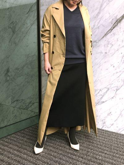 〈コートを重ねて〉 モデル身長:155cm、ニットはサイズ4を着用
