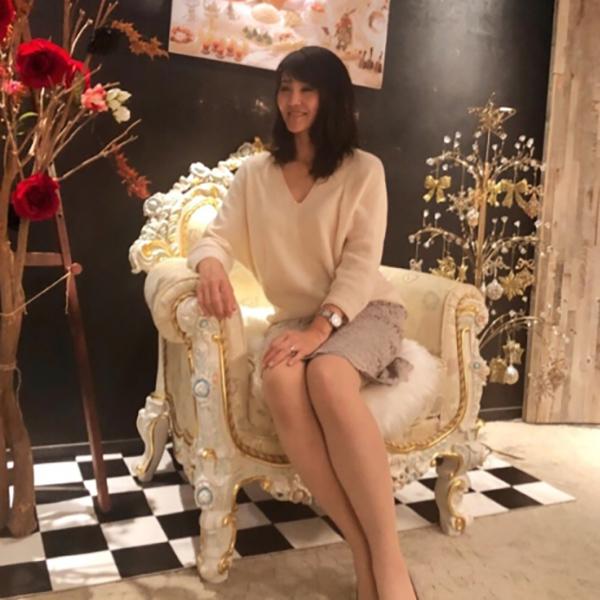 明るく見えて、とびきり女らしい。「冬の白」コーデ【マリソル美女組ブログPICK UP】_1_1-4
