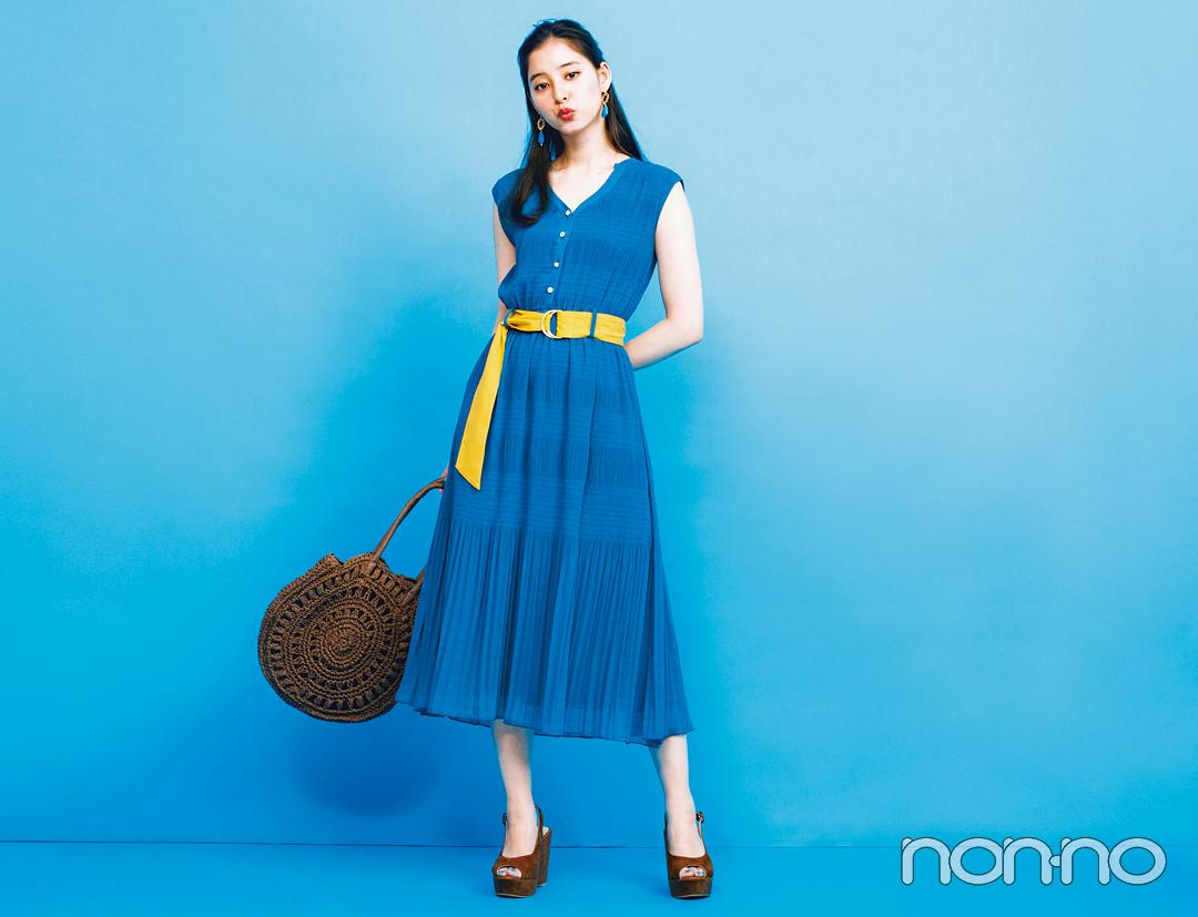 夏のブルーは新木優子がお手本! 肌の透明感が際立つ推し色コーデを披露_1_4