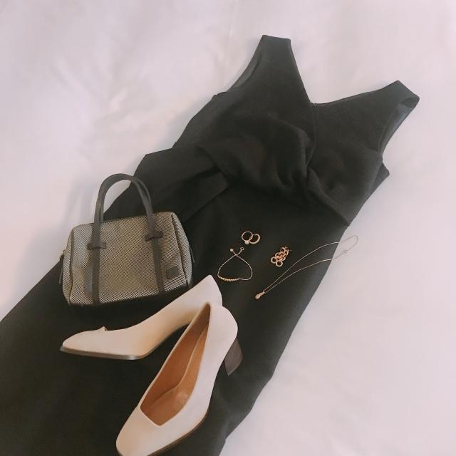 美容合宿の夜はOBLIのブラックドレスで♡_1_1-1