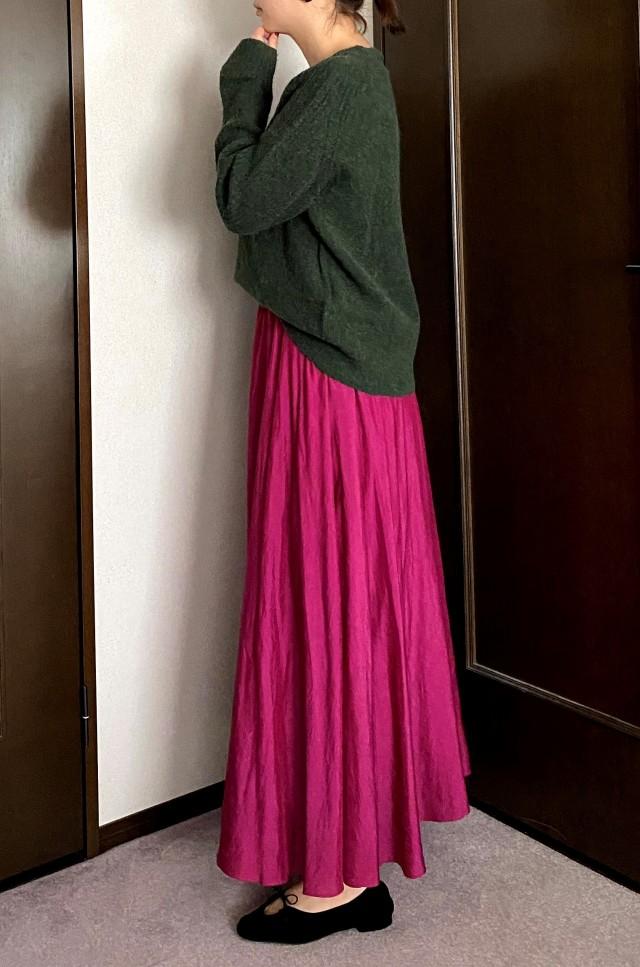 秋は何着る?全身コーデに「夏っぽ素材」スカート投入!_1_1-2